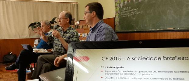 Professor Lisboa (ao centro) considerou o texto da CF 2015 superficial em pontos como ecologia ao ignorar a questão da água