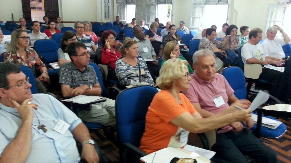 Dioceses de Santa Catarina apresentaram experiência no II Encontro da Regional Sul sobre formação para o laicato (Foto: Marcelo Luiz Zapelini/CNBB Sul 4)