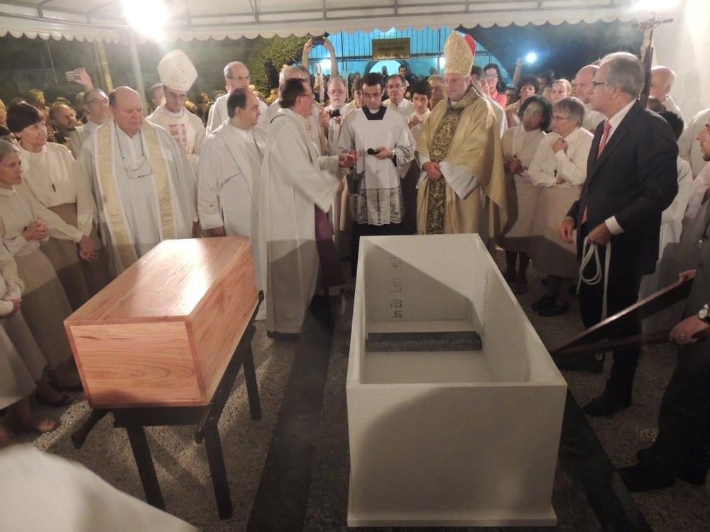 Bispo da Diocese de Joinville, Dom Irineu Roque Scherer, participa do encerramento da etapa diocesana do processo de beatificação (Foto: Pedro Dórico)
