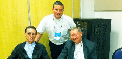 Dom João Francisco Salm (esquerda), Presidente, dom Onécimo Alberton, Secretário e dom Jacinto Inacio Flach Vice-presidente. (Foto: Arquivo Pessoal/Dom Onécimo)