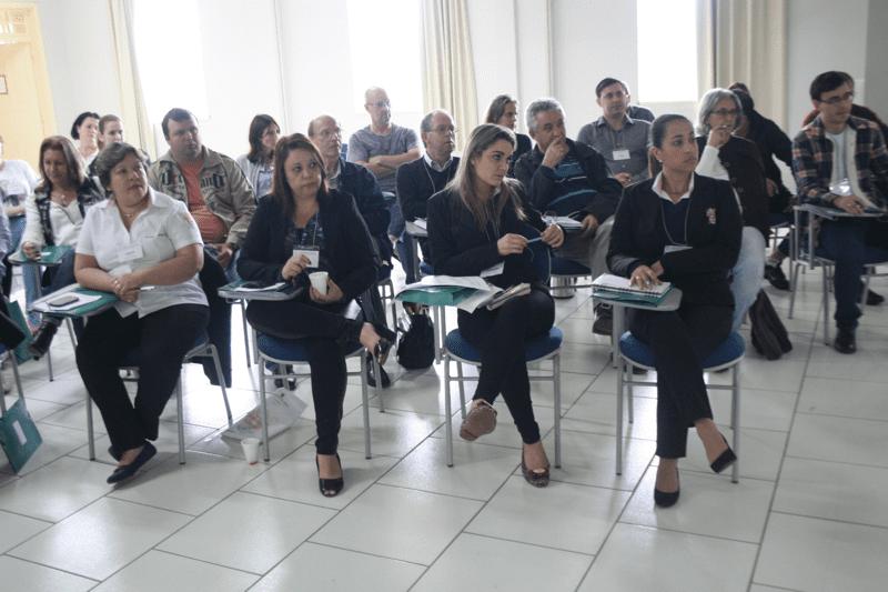 Cerca de 45 pessoas participaram da atividade de formação que deverá ter nova edição em 2016 (Foto: Marcelo Luiz Zapelini/CNBB Sul 4)