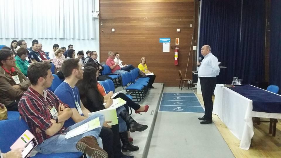Cerca de 50 agentes da Pascom de dioceses e paróquias de SC participaram do evento (Foto: Olga Oliveira/Pascom Sul 4)