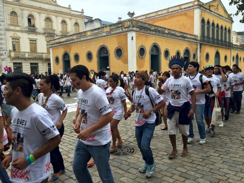 """""""Já basta"""" gritaram os estudantes contra os atos de violência aos povos indígenas (Foto: Luciano dos Santos/Arquivo pessoal)"""