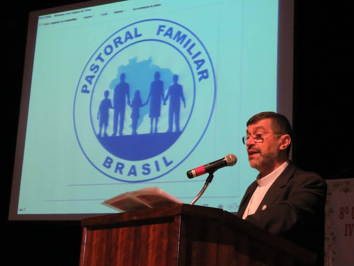 Dom Frei João Bosco Barbosa de Sousa pediu cooperação entre a CNBB e a Pastoral na busca de objetivos comuns (Foto: Angelo Junior Radavelli)