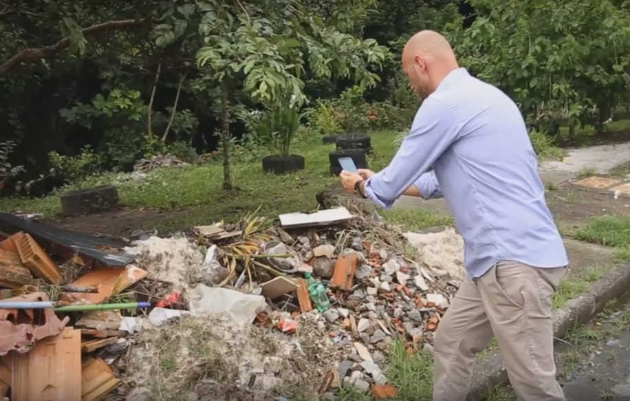 Entulhos, poças em terrenos abandonados podem ser denunciados (Foto: Reprodução)