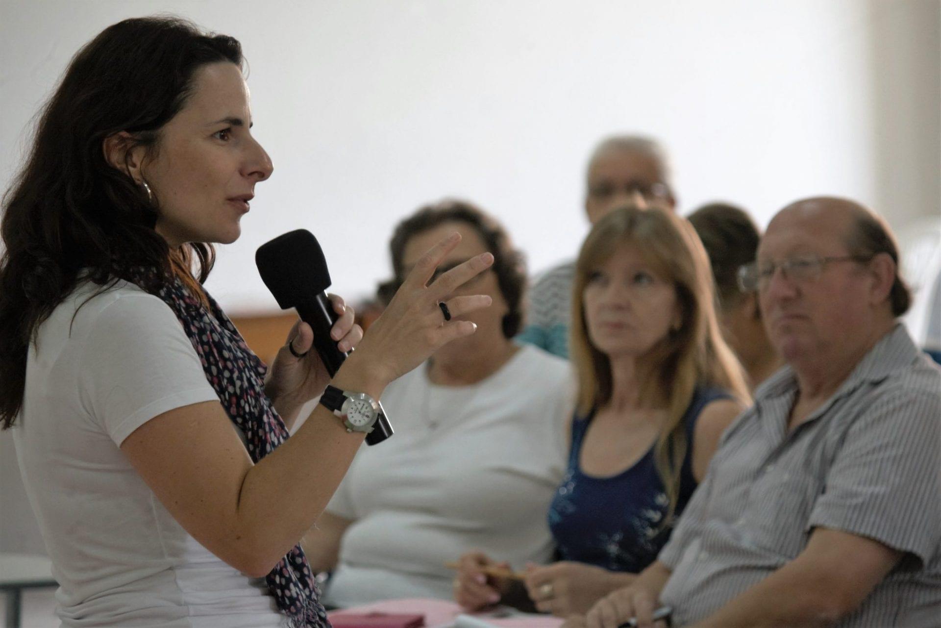 Analfabetos são menos de 1% dos que chegam ao Centro de Referência para Refugiados da Cáritas SP é de analfabetos, disse doutora em Direitos Humanos, Larissa Leite (Foto: Marcelo Luiz Zapelini/Agência Sul 4)