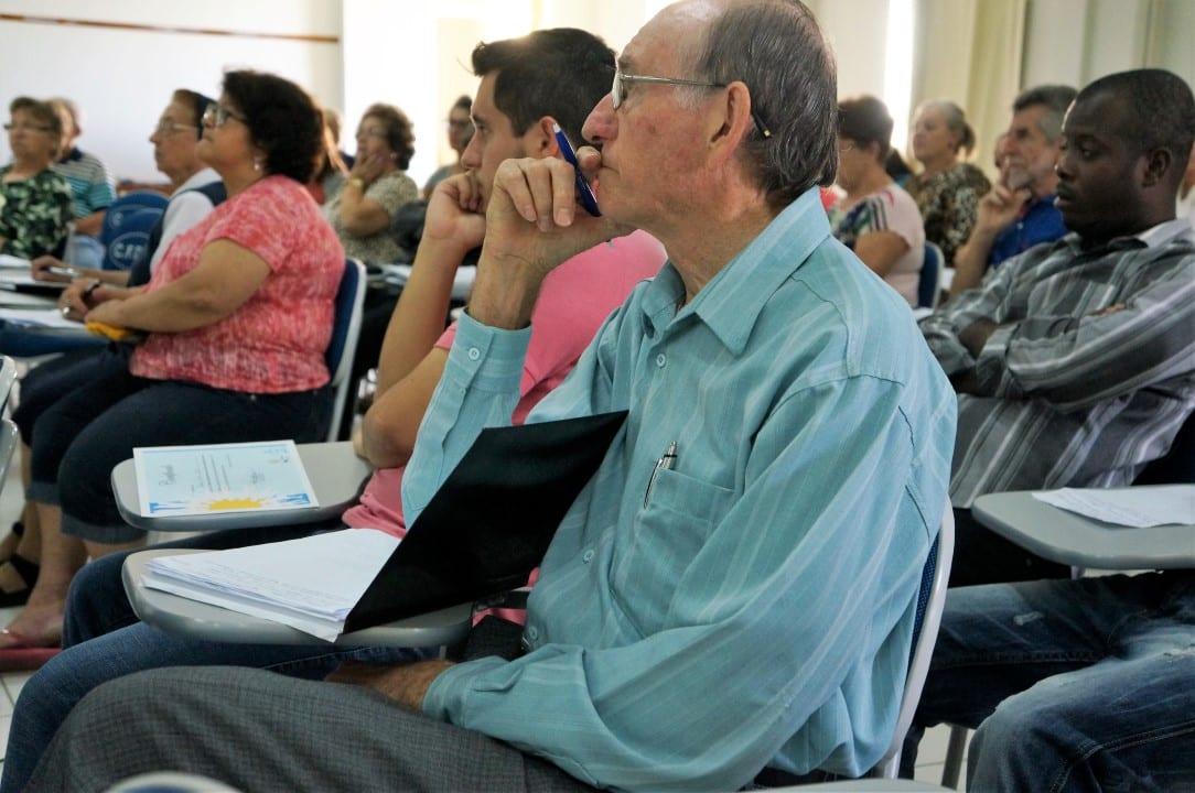 Agentes das Pastorais Sociais e serviços de acolhida aos imigrantes das dioceses desejam mais qualidade no serviço. Para isso iniciarão, este ano cursos, de capacitação (Foto: Marcelo Luiz Zapelini/Agência Sul 4)