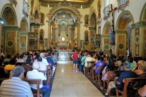 A Matriz Basílica, de 1888, popularmente chamada de Basílica Velha, ainda acolhe multidões. De estilo barroco, foi tombada em 1982. (Marcelo Luiz Zapelini/Agência Sul 4)