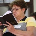"""Helena Sobotka, coordenadora 24 equipes de liturgia em Capinzal, diz """"difícil chegar na comunidade e mudar as coisas. Há resistência"""". (Marcelo Luiz Zapelini/Agência Sul 4)"""