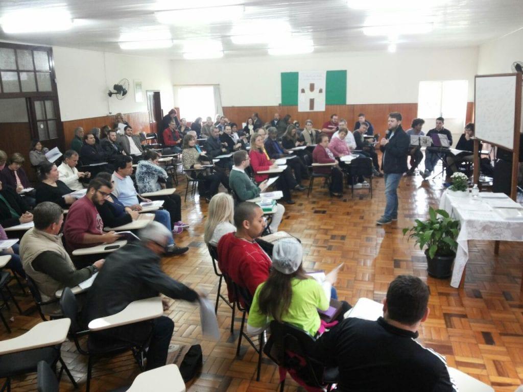 Novamente, as dez dioceses de SC enviaram participantes para esta etapa da Escola. (Jacson de Borba/Arquivo pessoal)