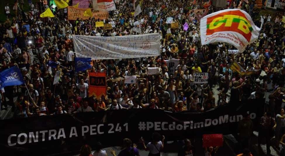 Bispos manifestaram solidariedade aos manifestam contra as propostas do governo. (Fernando Frazão/Agência Brasil)